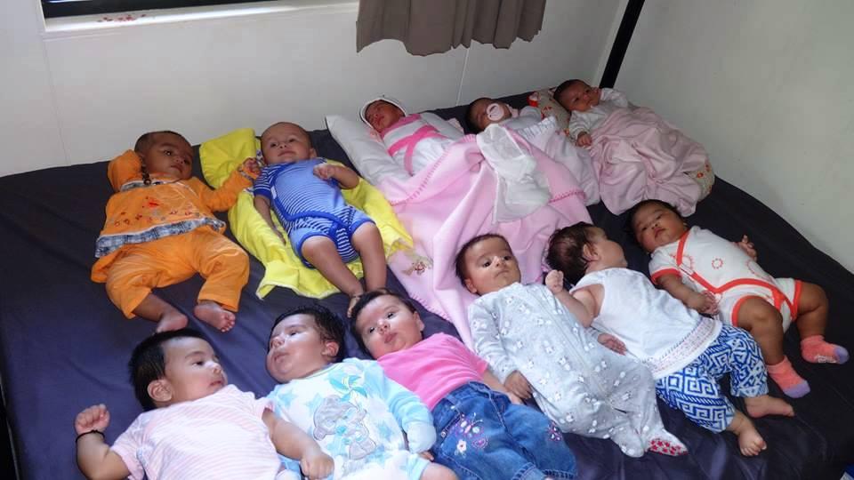 Nauru babies